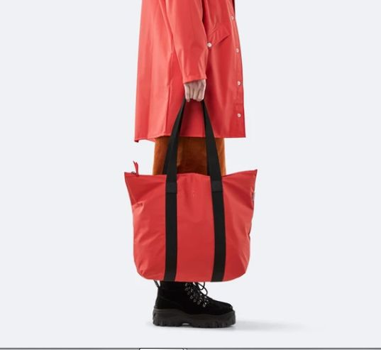 rains-sac-cabas-tote-bag-rush-rouge-artydandy-4